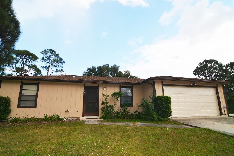 1961 SE Waukesha Ave Palm Bay, FL